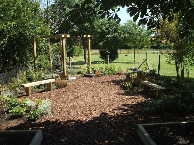 final pics of pulham garden 041.jpg