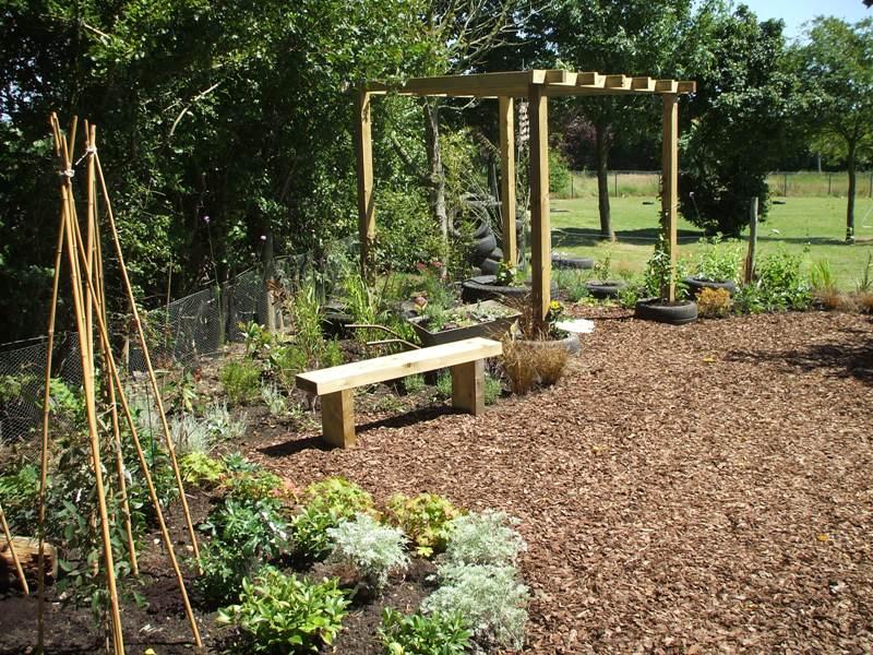 final pics of pulham garden 040.jpg